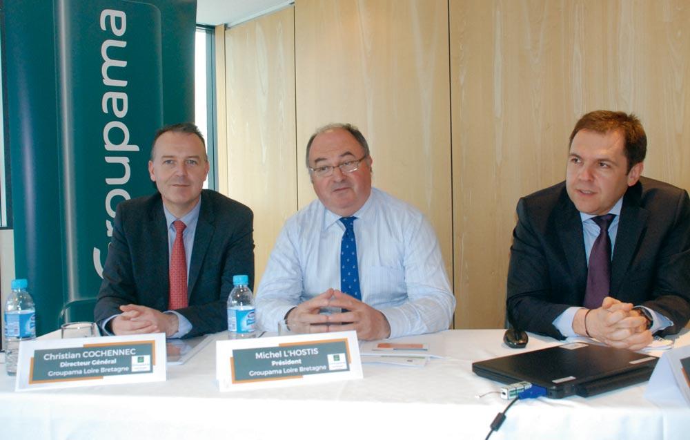 De gauche à droite : Christian Cochennec, directeur général Groupama Loire Bretagne ; Michel L'Hostis, président ; Pascal Ouvrard, directeur financier.