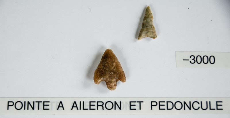 Ces pointes datent du Néolithique, à une période où l'homme était devenu agriculteur.