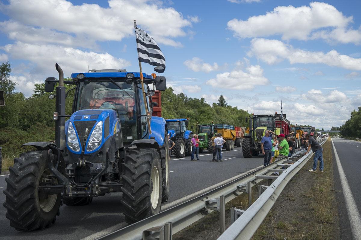 Photo of Les agriculteurs interdits de manifester