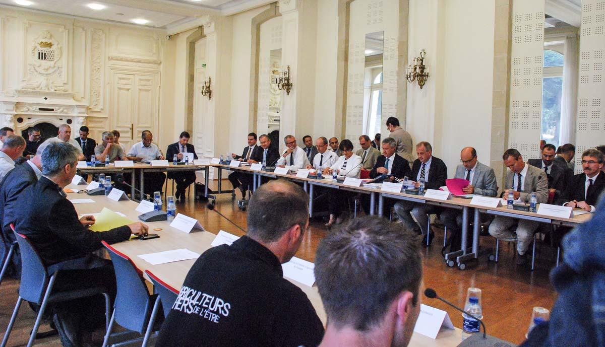 crise-agricole-conference-prefecture