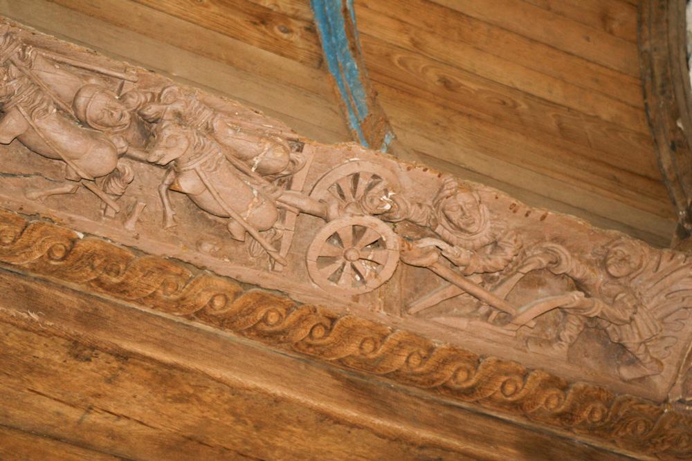 chapelle-sainte-marie-du-menez-hom-sculpture-sabliere-charpente