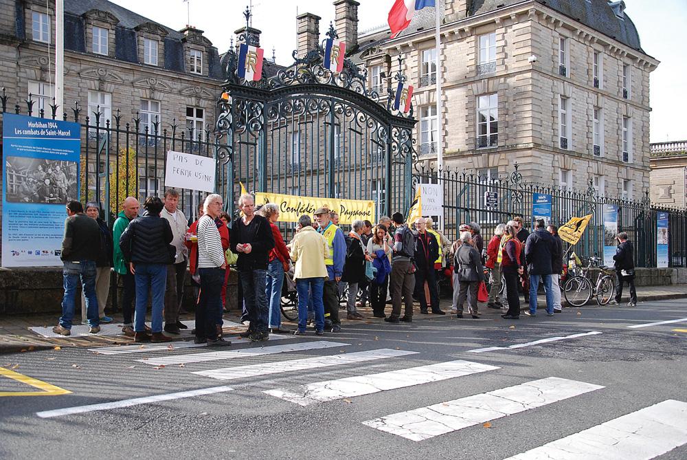 confederation-paysanne-prefecture-vannes-soutient-syndicat