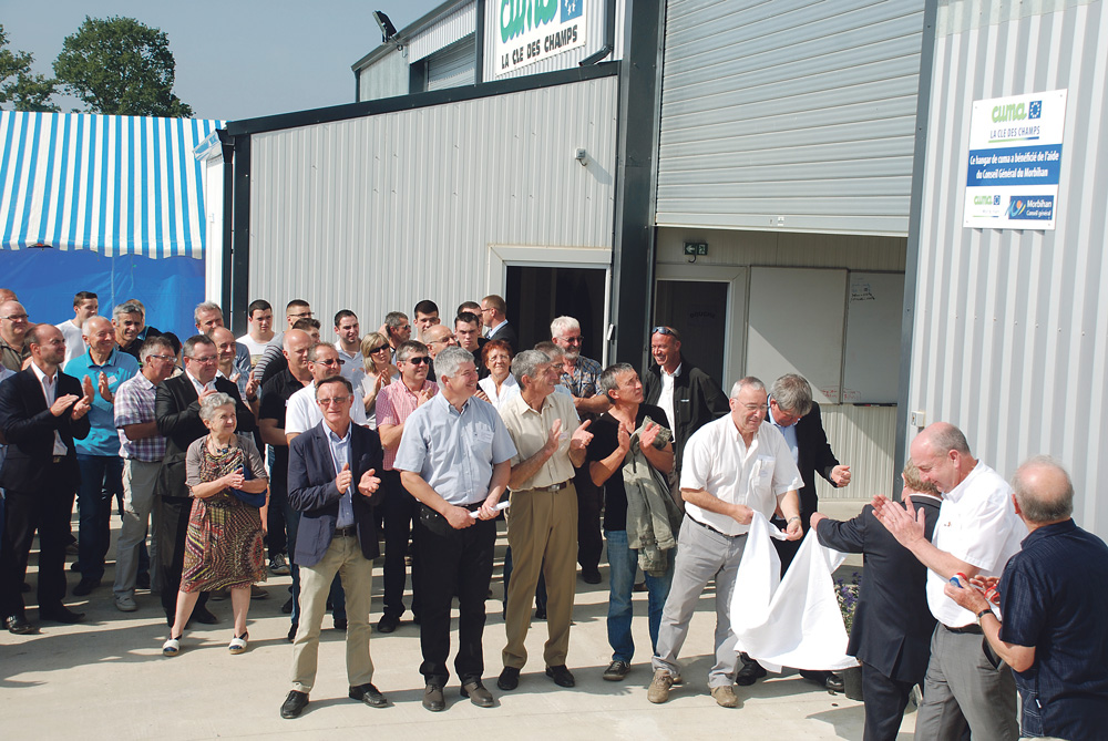 Photo of La Cuma «La clé des champs» sous un nouvel hangar, à Naizin