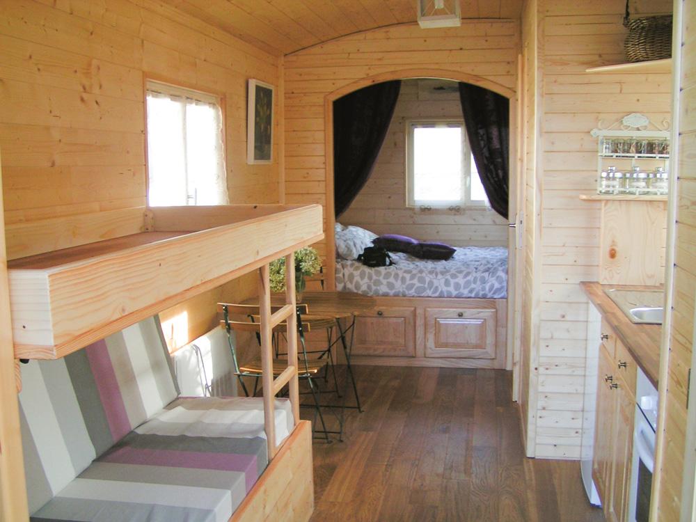 pour olivier tout roule comme sur des roulottes journal. Black Bedroom Furniture Sets. Home Design Ideas