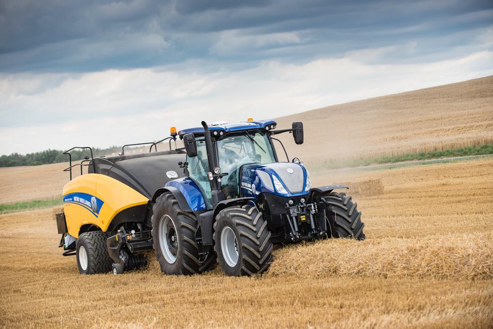 une offre de tracteurs toujours plus grande journal paysan breton partie 14. Black Bedroom Furniture Sets. Home Design Ideas