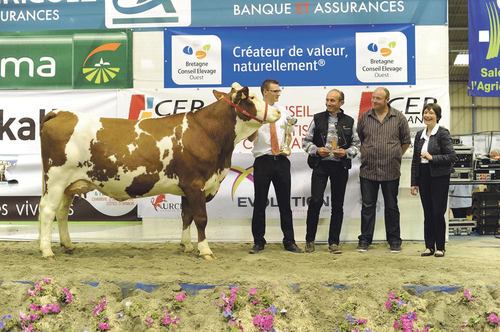Fiesta, à l'EARL du Bois Mogaly, Grande championne