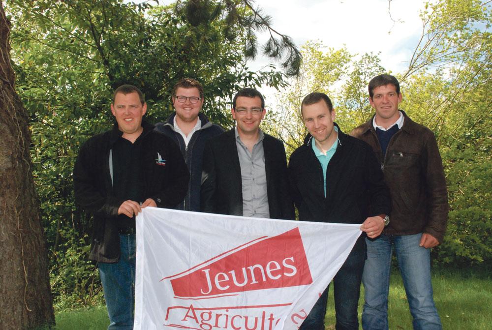 Photo of Une nouvelle équipe aux Jeunes Agriculteurs
