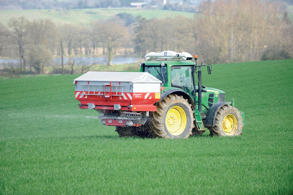 azote-semis-engrais-ble-pulverisateur-plante-culture-cereale