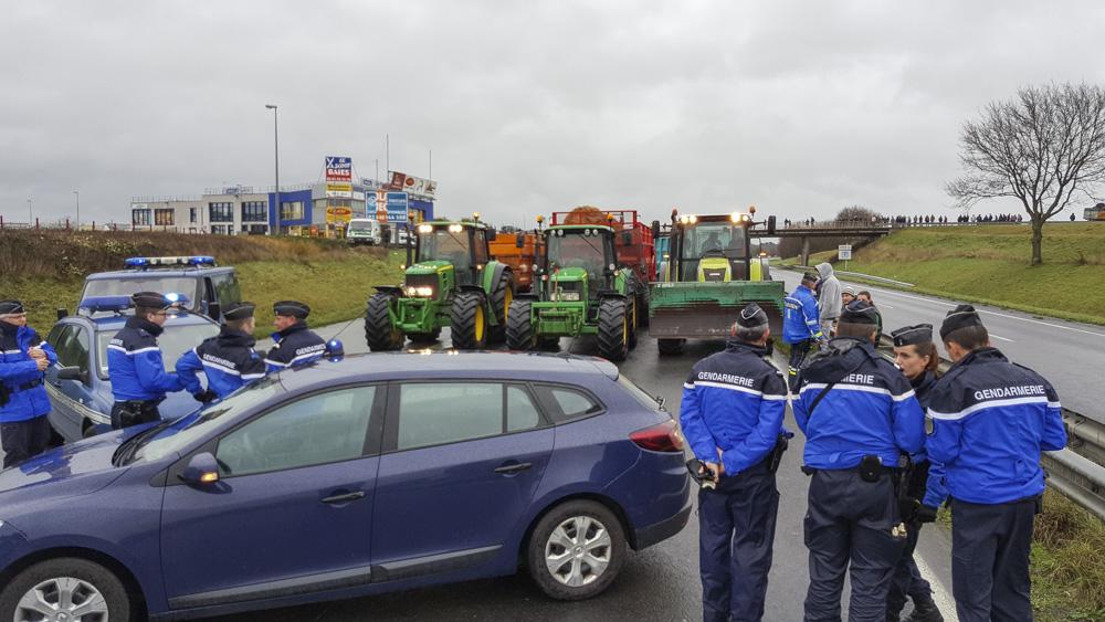 Photo of Blocage Bretagne : promesse tenue par les agriculteurs