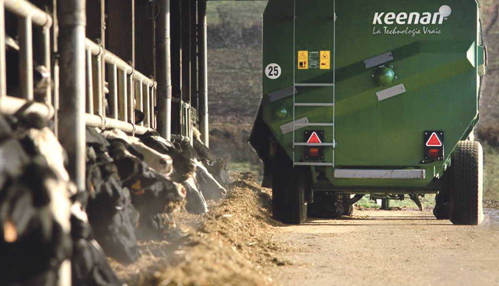 keenan-vache-prim-holstein-alimentation-ration-surveillance-distance-innovation-service-in-touch