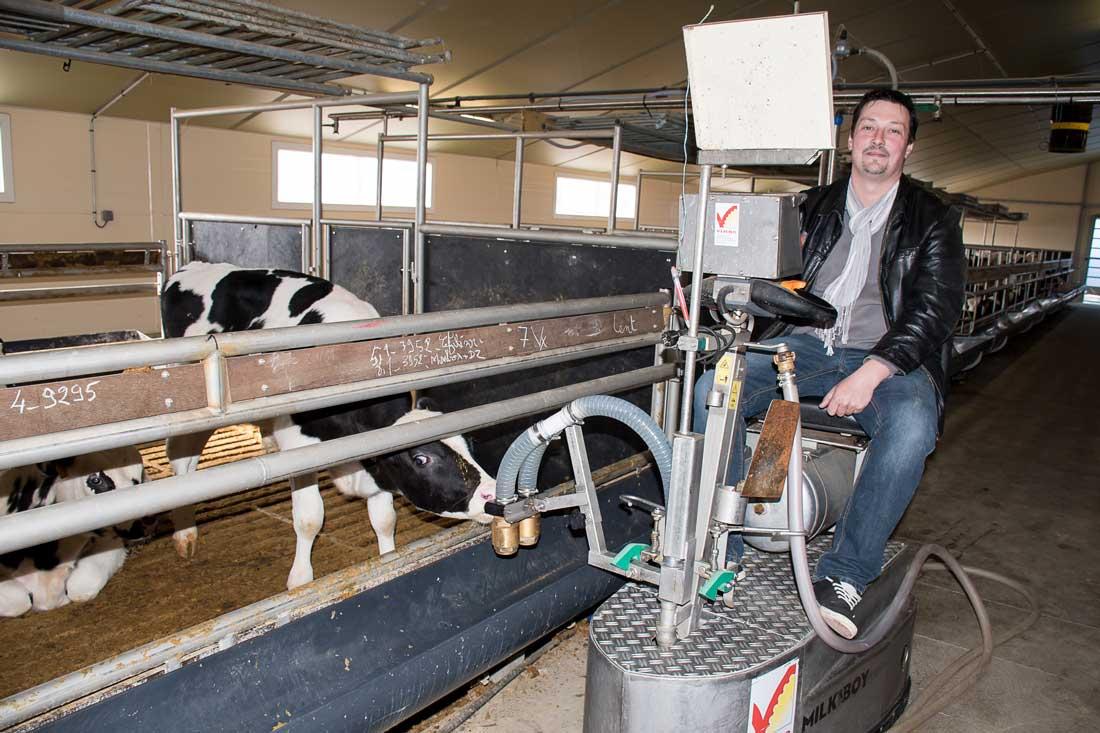 « Sans le contrat de 9 ans proposé par Vandrie, je n'aurais pas pu m'installer », note David Boré, heureux éleveur de veaux de boucherie.