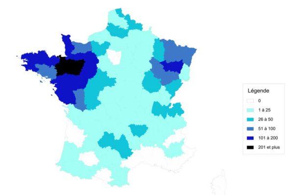 Répartition du nombre de robots de traite sur le territoire français en 2015. (Source Idele)