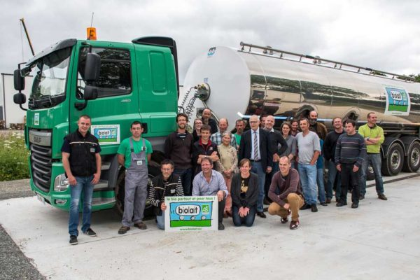 Les éleveurs collectés par la coopérative Biolait dans le Finistère étaient au rendez-vous pour inaugurer la nouvelle plateforme à Châteauneuf-du-Faou.