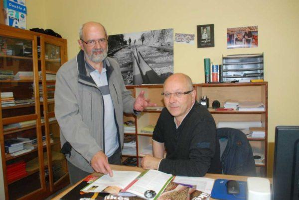 Jean-Yves Pondaven, ancien professeur de l'établissement passionné d'histoire, et Dominique Le Guichaoua, responsable de la revue interne de l'école, ont retracé les origines de la ferme du Likès dans le dernier magazine de l'établissement.
