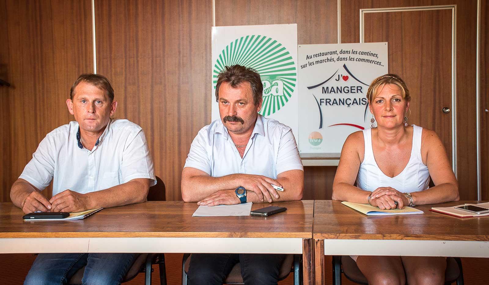 Face à des filières de productions animales dans la panade, Didier Lucas, Pierre-Yves Lozahic et Carole Joliff de la FDSEA des Côtes d'Armor annoncent des actions syndicales répétées en septembre « pour aller chercher du prix et de la compétitivité. »