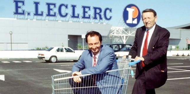 Edouard Leclerc et son fils, Michel-Edouard, en 1993, à l'occasion de l'inauguration d'un nouveau magasin à Blagnac, dans la périphérie de Bordeaux. (Bordas/SIPA)