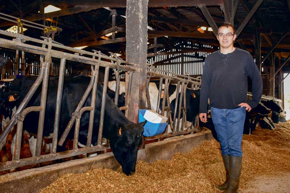 À 27 ans, Ronan Latimier a concrétisé son rêve d'enfance. En mars dernier, il a repris une exploitation laitière sur la commune de Trébry (22).