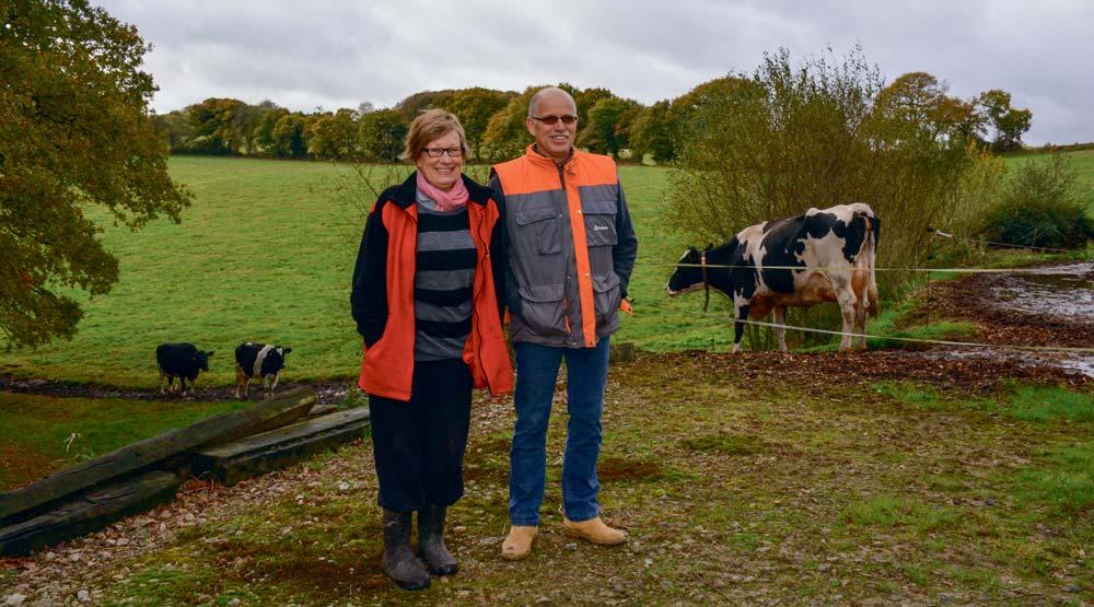 À l'installation du robot de traite, Claudine et Gwénaël Pavec ont voulu continuer à faire pâturer les vaches.