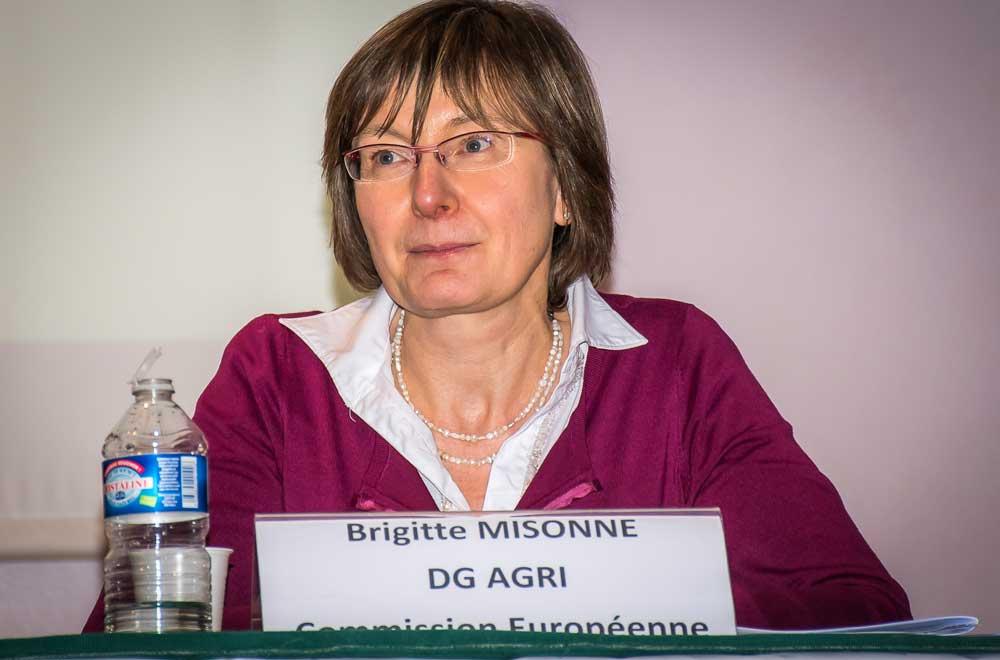 Photo of La commission européenne déstocke de la poudre de lait