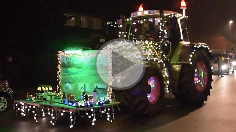 """Photo of Dans la série """"les tracteurs de Noël""""…"""