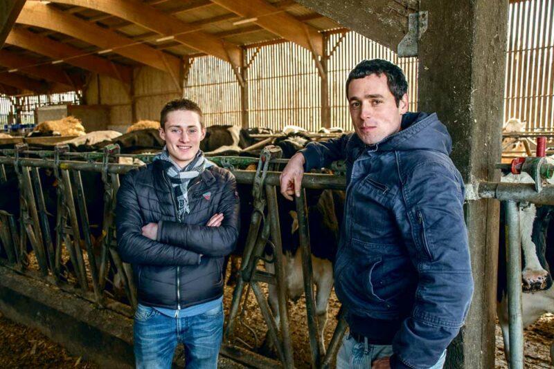 Vendredi 20 janvier, Maxime Taurin et Jonhatan Roulin ont accueilli les présidents des Chambres d'agriculture de Bretagne sur leur exploitation à l'occasion d'une conférence de presse sur la régionalisation des instances consulaires agricoles bretonnes.