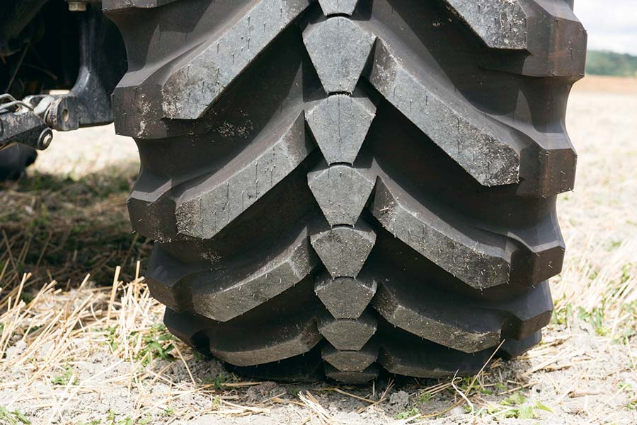 Photo of #SIMA2017 Michelin : un pneu aussi performant sur route qu'au champ