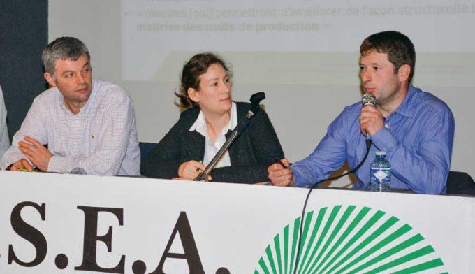 De gauche à droite: Frédéric David (président de la section lait FDSEA), Maud Marguet (Chambre d'agriculture) et David Renault (OP Cleps Ouest).