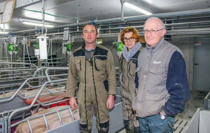 Daniel Coquil, Évelyne Hany et André Morel, intervenants sur l'atelier porcin du lycée du Nivot (29).