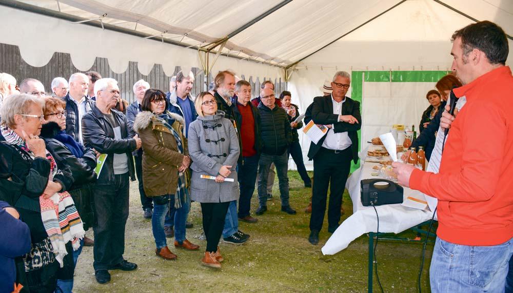 Photo of Économie locale : les élus du Pays d'Auray à la ferme