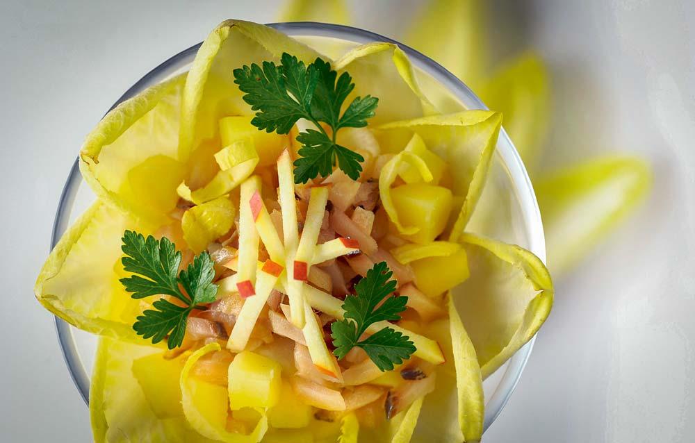 Photo of Salade d'endive aux deux pommes et tartare de hareng