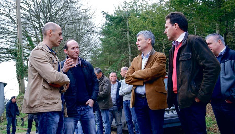 Invité par la Cuma de Scaër Ouest, Olivier Allain, vice-président de la Région Bretagne, a pu mesurer l'engagement des agriculteurs dans l'agro-écologie.