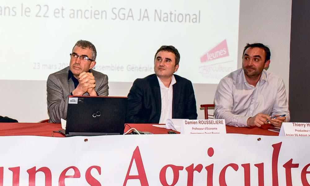 Gilles Bars (Coop de France Ouest), Damien Rousselière (Agrocampus) et Thierry Houël (ancien administrateur de JA National).