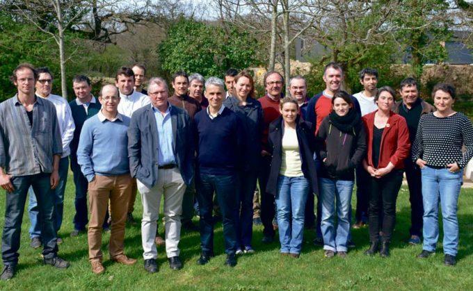 Le groupe de travail chargé d'élaborer les modalités des essais comprend des élus locaux, des agriculteurs et des techniciens de divers organismes. Il s'est réuni au Hézo, la semaine dernière.