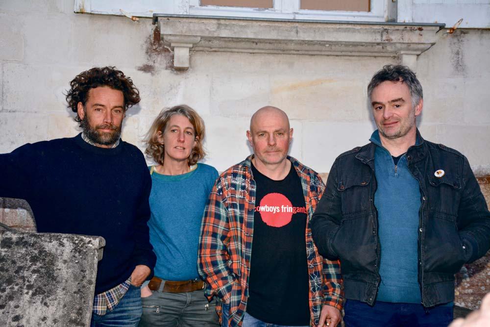 De gauche à droite: Julien Brothier, Eurielle Coatrieux et Dominique Raulo, porte-paroles de la Confédération Paysanne du Morbihan lors de la venue de Laurent Pinatel, porte-parole national.