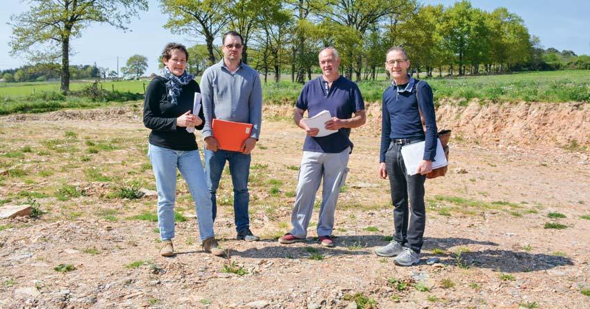 De g. à dr.: Isabelle Hascoët (Chambre d'agriculture), Gildas Denis, Luc Hamon et Pascal Chaussec