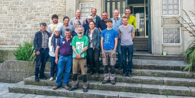 Lundi dernier au tribunal de Saint-Malo, Jean-Claude Juhel a été soutenu par des membres de la Confédération paysanne d'Ille-et-Vilaine.