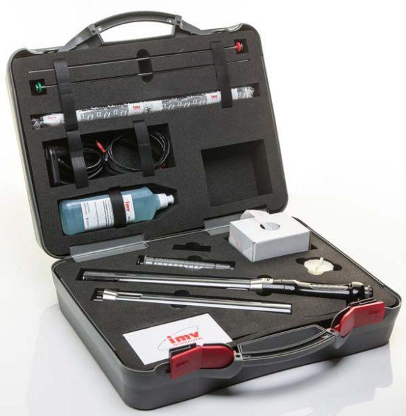 La mallette Alphavision est commercialisée 3 000 €.  À l'intérieur, deux pistolets d'insémination, deux systèmes de poussoir mécanique, deux tubes, des gaines biodégradables, du gel, un coupe-paillette, un support de téléphone et un Smartphone équipé de l'application de réception des images…