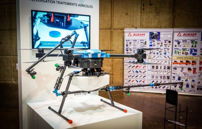 L'aéronef repliable de DroneVolt, commercialisé par Agram. L'Hercules 20 et ses 3m d'envergure peuvent transporter 12 litres de liquide et traiter une surface proche de 2 ha en 10min.