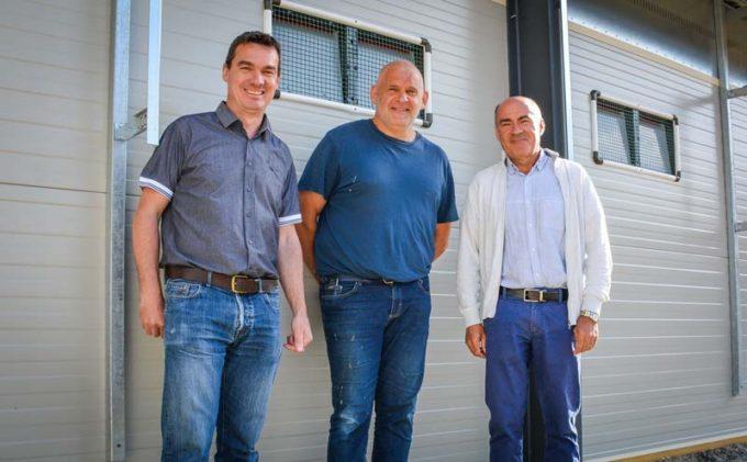 Christophe Balcou, commercial chez Sodalec Distribution ; Olivier Guévelou, aviculteur à Bégard (22) et Philippe Le Page, responsable commercial avicole chez Sanders.