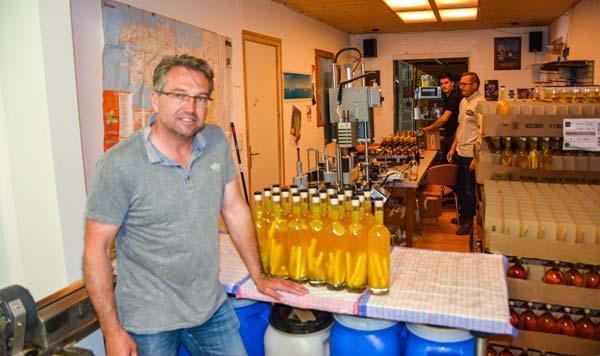 Alain Jegaden a fondé l'entreprise en 2002, avec Ronan et Olivier Philip.