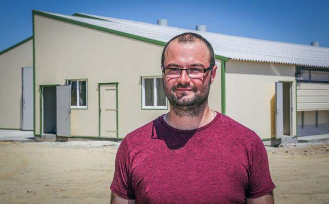 Yvan Le Callonnec, éleveur à Grand Champ (56), a fait le choix d'investir dans un nouveau bâtiment qui porte sa surface totale à 3 000 m2 en volaille chair.