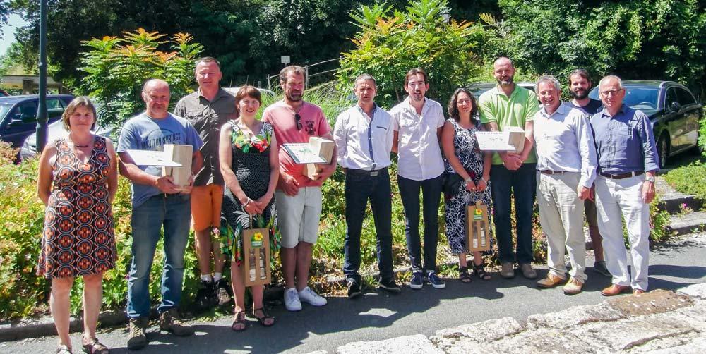 Les lauréats du concours agricole local des prairies fleuries lors de la remise des prix le 7 juillet.