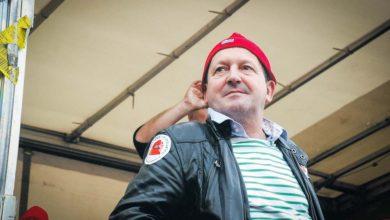 Photo of Thierry Merret, le bonnet rouge de la détermination