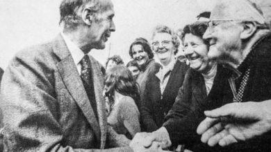 Photo of 12 août 1978 : le président de la République sur le front de la marée noire