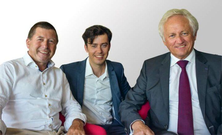 Sébastien Minguy, directeur de la Vallée des Saints, aux côtés de Germain Le Dréau et de Pierrick Dano, tous deux membres fondateurs de la Fondation «A galon vat».