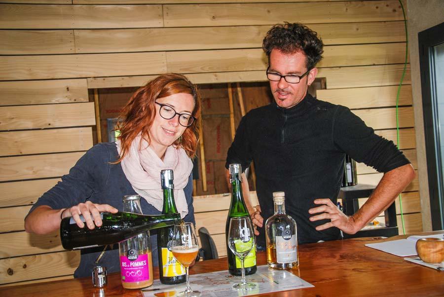 Jennifer Scouarnec et Nicolas Mazeau dans leur nouveau local de vente.