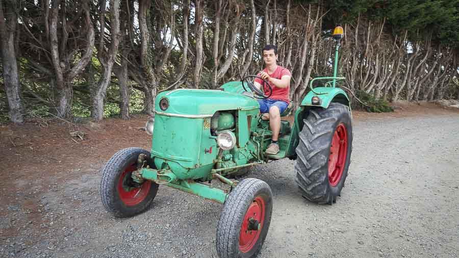 tracteur un voyage dans le temps d 39 un si cle en une journ e journal paysan breton. Black Bedroom Furniture Sets. Home Design Ideas