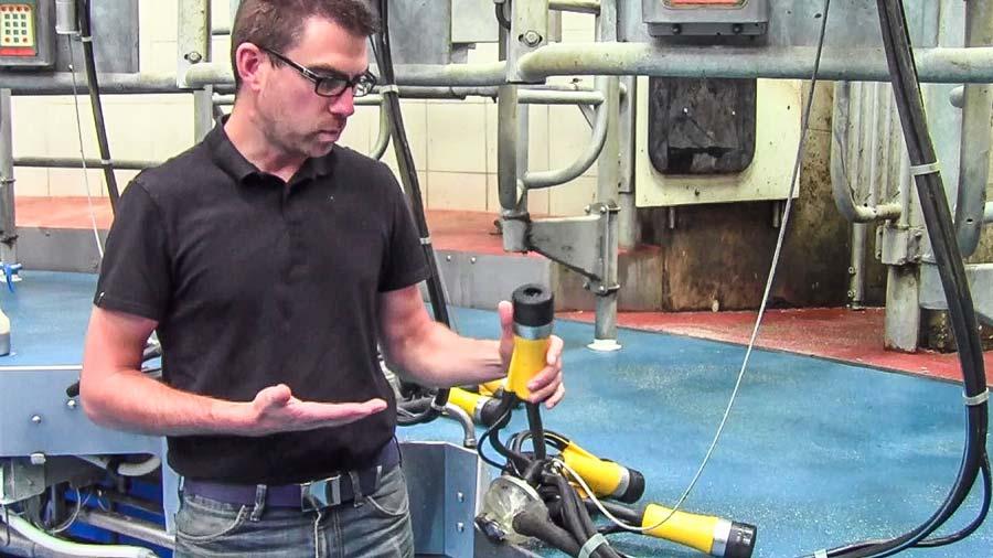 Frank Kermarec présentera la salle de traite rotative équipée de griffes ADF-5.