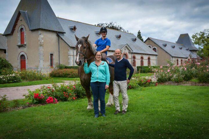 André Plessis, président de l'Association nationale des éleveurs du Cheval de trait breton, et Julie Gobert (en bas), directrice du Gip Cheval breton.