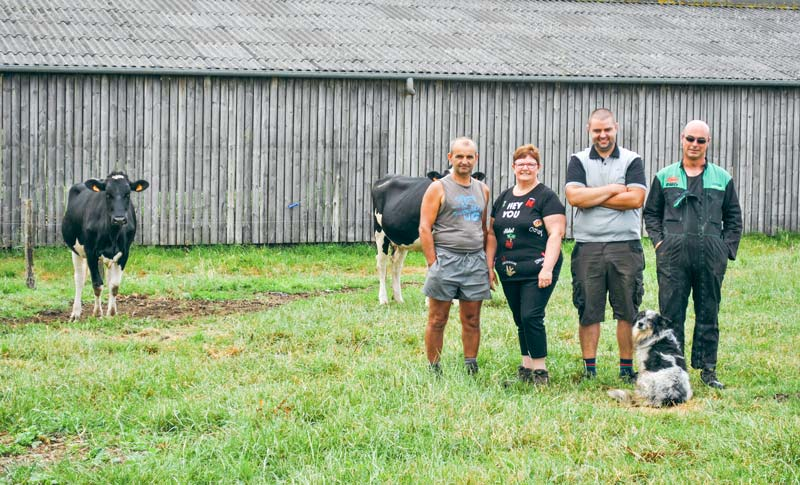 De gauche à droite: Philippe, Sylvie et Thomas Rossignol, Emmanuel Marion.